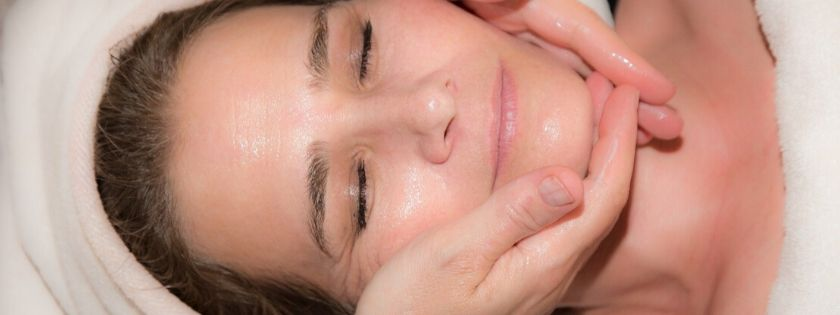 automassaggio per il corpo come stendere la crema in modo efficace